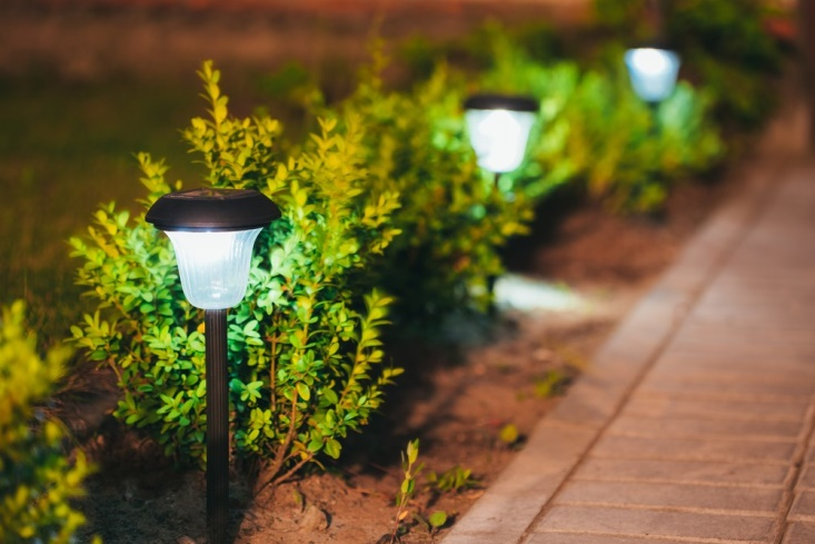 How to install sustainable best solar garden lights?